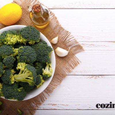 receita de Brócolis ao molho de tomate e limão