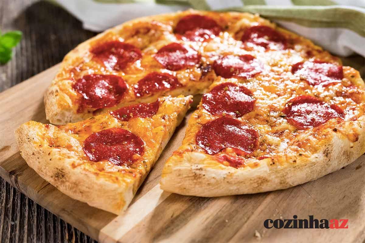 Pizza rústica de calabresa